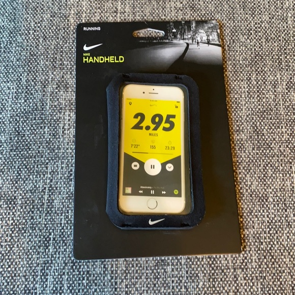 New Nike Hand Held Smart Phone Carrier SM-M Case